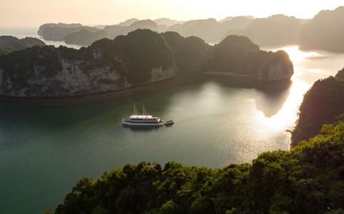Jadesails Cruise - Halong Bay, Quang Ninh